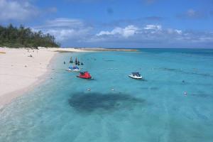 水納島のビーチの写真(wikipediaより)
