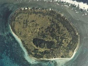 鳩間島の航空写真(wikipediaより)