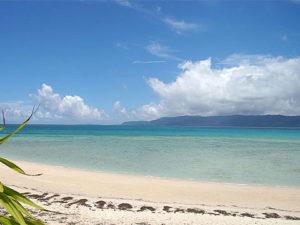 鳩間島の写真(wikipediaより)